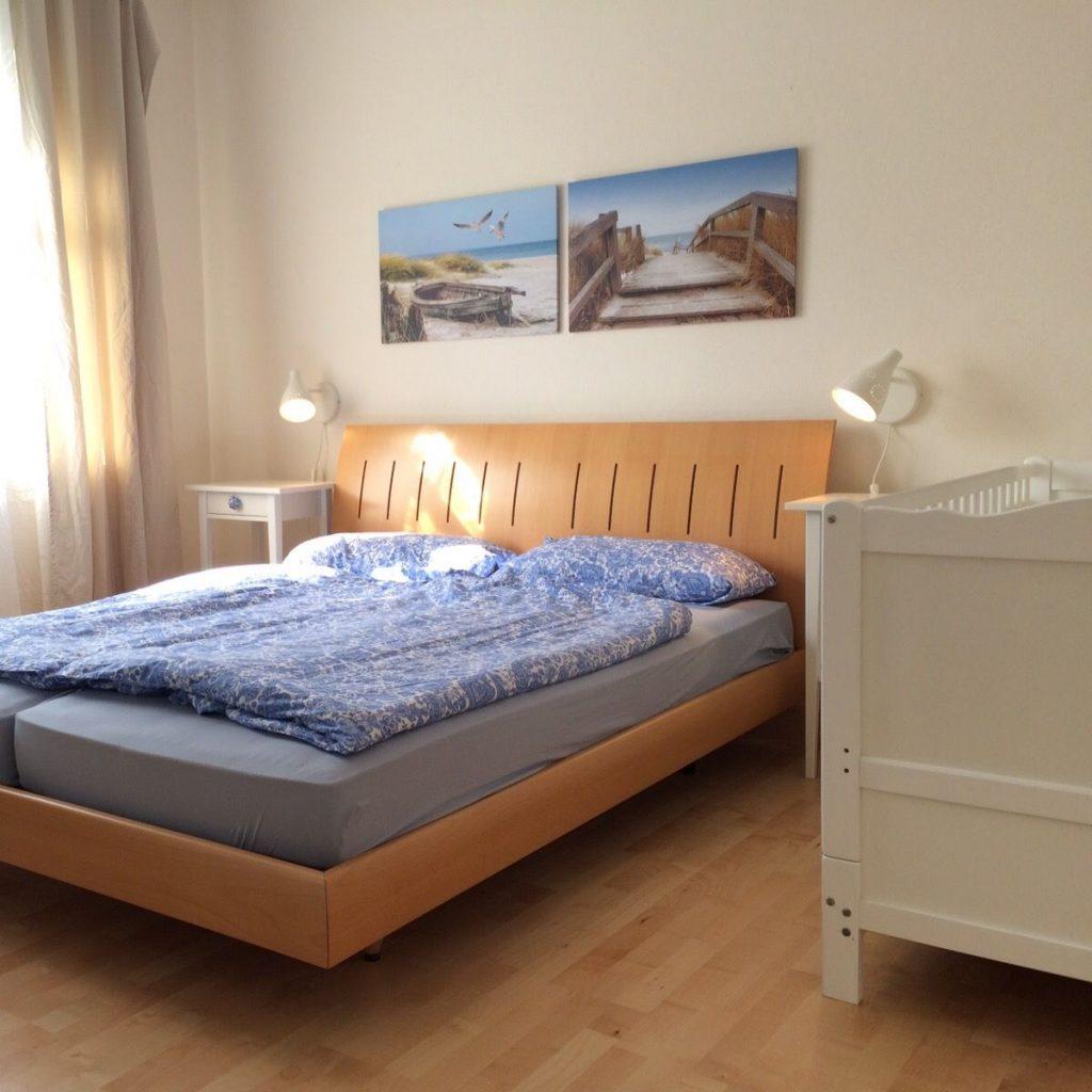 15.Schlafzimmer:Kinderbett