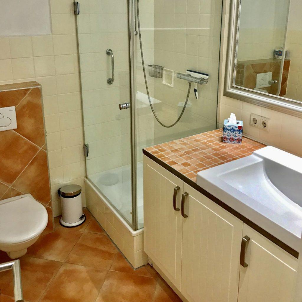 8.Badezimmer1